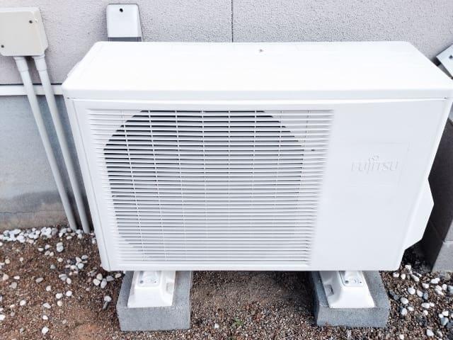 エアコンの室外機の掃除を自分で、または業者に依頼した体験談